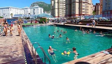 Lemn pentru piscine si terase